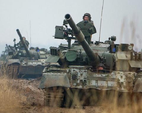 НАТО: Москва начала подготов…