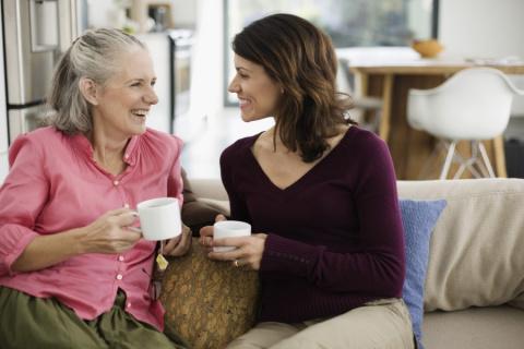 Привязанность к родителям взрослых детей - это инфантильность, и с ней нужно бороться?