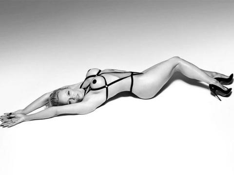 Горячие снимки Памелы Андерсон 2017, принявшей участие в откровенной фотосессии нижнего белья