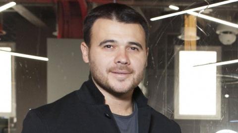 Эмин Агаларов приучает сынов…