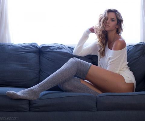 """Эта """"Мисс самые длинные ноги"""" настолько высокая, что заставит вас почувствовать себя хоббитом"""