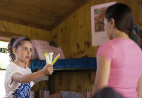 12-летняя девочка снялась в рекламе тампонов