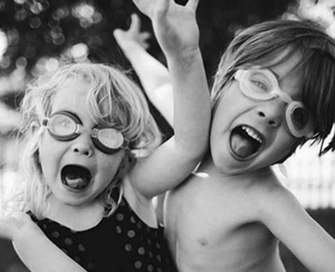 Сценарий бедности: узнайте почему нельзя заставлять ребенка делиться игрушками