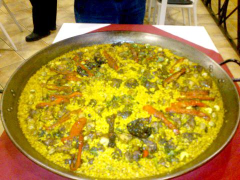 Паэлья с морепродуктами - классика испанской кухни