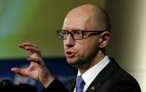 Яценюк призвал «додавить Россию» и ввести на Донбасс миротворцев ООН
