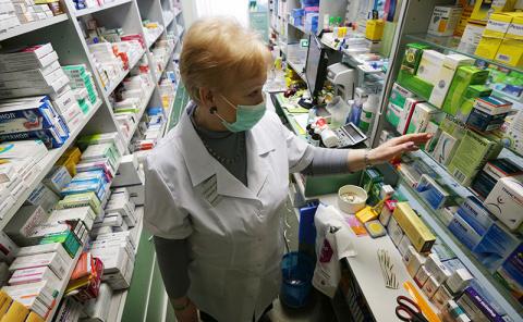 Аптеки намерены лечить,  но болеть станет дороже