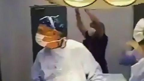 Хирурги в Чили смотрели футб…