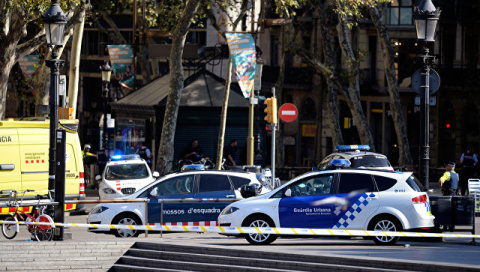 Опубликовано видео с места наезда фургона на толпу в Барселоне