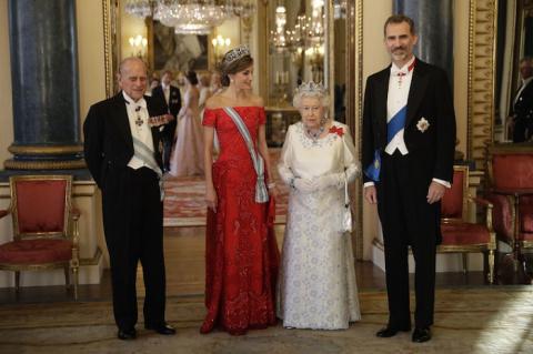 Вызывающий наряд 35-летней Кейт Миддлтон на королевском приеме удивил прессу