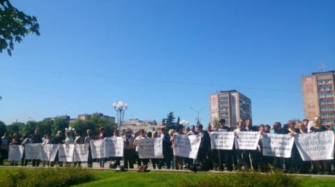 Трасса Черкасской области перекрыта энергетики из-за долгов по зарплате