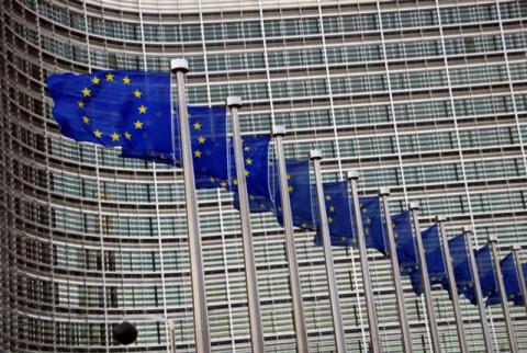 Брюссель продлил санкции против России
