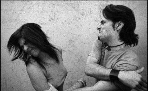 Сынок, если ты гуляешь с девушкой и к вам прицепились пьяные - бросай её и убегай!