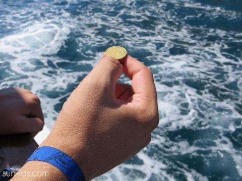 Куда бросать монетки на желание?