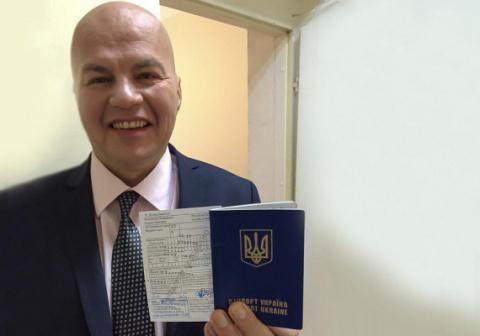 Норкин забрал паспорт у Ковт…