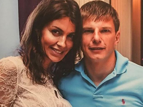 Жена Аршавина опубликовала обращение к брошенному мужу