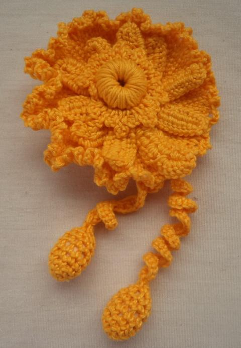вязанные цветы - украшения для волос (резинки), маки