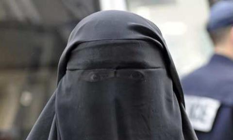 ЕС избавляется от беженцев. В Германии запретили мусульманскую одежду