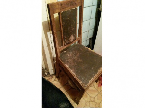 В Астрахани старый стул нача…