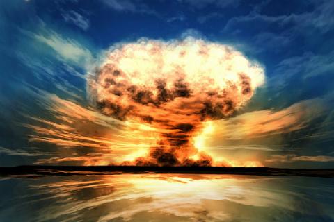 Над планетой встаёт тень Хиросимы