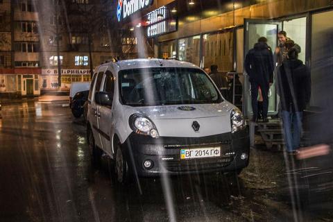 В Киеве произошла перестрелка между нацистами и майданщиками