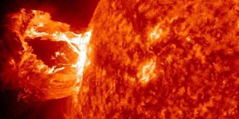 Ученые пугают все более мощными вспышками на Солнце