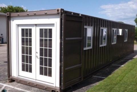 Маленькие дома из контейнеро…