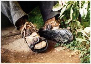 Обувь из автомобильных покрышек