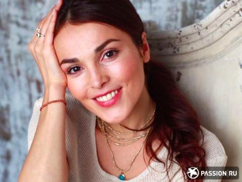 «Счастья Вам!»: Сати Казанова опубликовала фото в свадебном платье