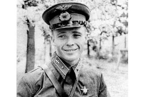 Виктор Талалихин – легендарн…