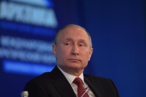 Путин: Севастополю не дали б…