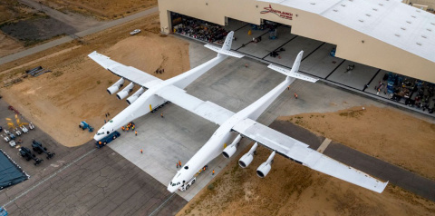 Stratolaunch испытала двигат…