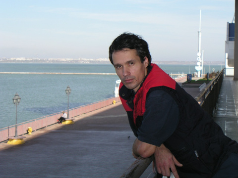 Максим Николаев