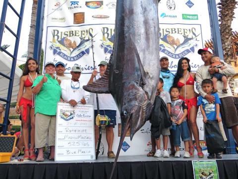 1370. Большая рыбалка: в Мексике: на крупнейшем турнире по ловле марлина победила женщина