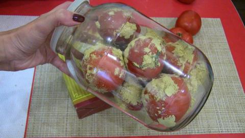 Уникальный способ сохранения свежими помидоры до Нового года