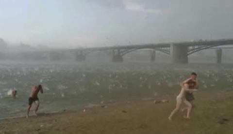 Пляж в Новосибирске преврати…