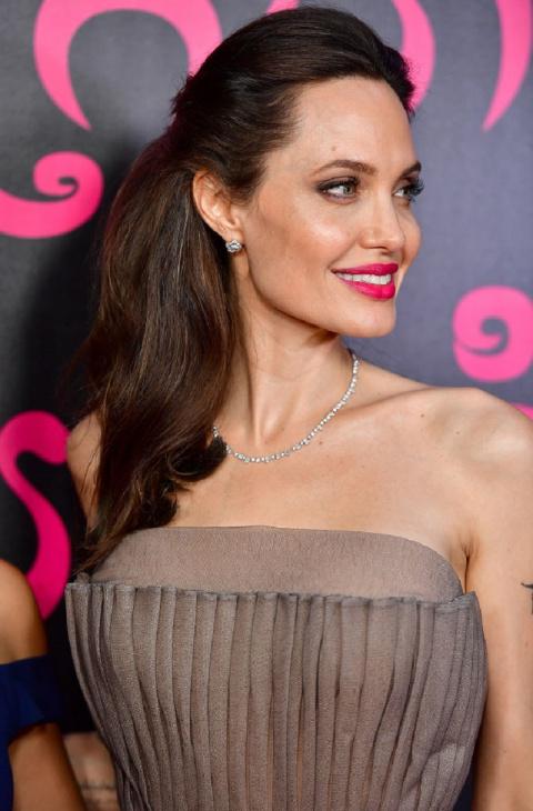 СМИ обратили внимание на младшую дочь Анджелины Джоли и заметили кое-что необычное