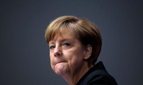 Ангела Меркель не исключила выхода Греции из Еврозоны