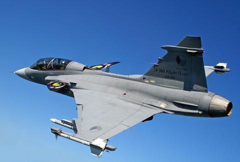 Зачем истребители Saab JAS-3…