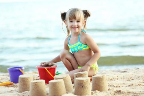 Как моя маленькая дочка опозорила меня на весь пляж