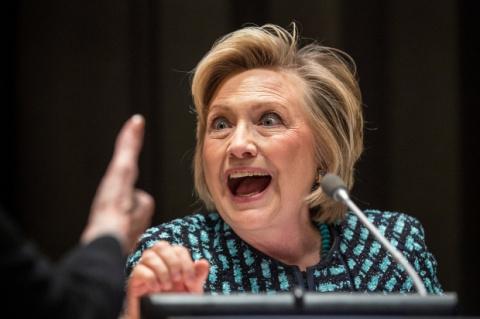 Хиллари Клинтон опять винит …