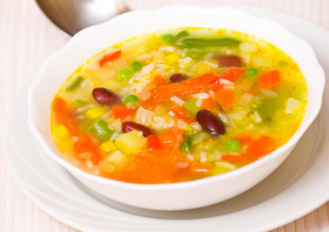 Летний суп с кабачками и рисом