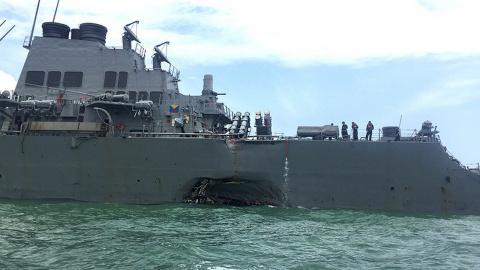 """Прав был Задорнов... Не поделили море: """"Джон Маккейн"""" столкнулся с торговым судном"""