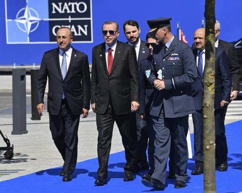 НАТО сделало из Турции мишен…