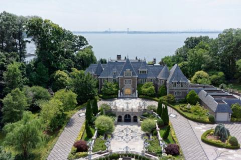 Как выглядит дом миллиардера…