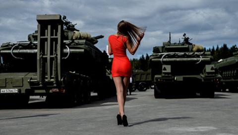 Мир спасёт красота русского оружия. Александр Хроленко