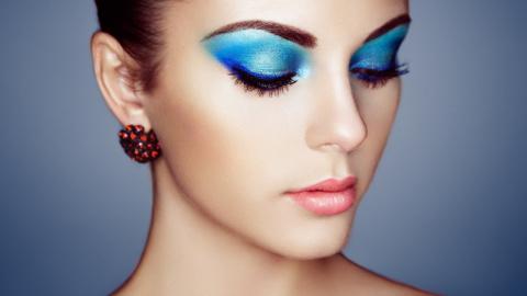 8 хитрых приемов, которые спасут твой макияж летом