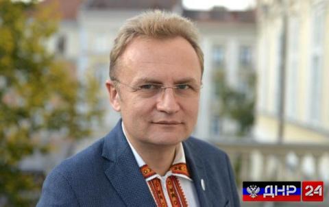 Мэр Львова заговорил по-русски и похвалил Путина
