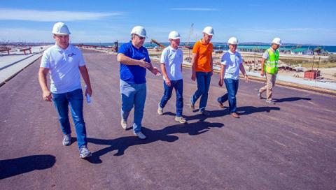 Автомобильная часть моста в Крым готова на 75%