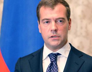 Д.Медведев решил наказывать пользователей за ложь в Интернете