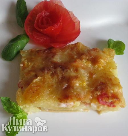 Картофель, запеченный с овощами и ветчиной